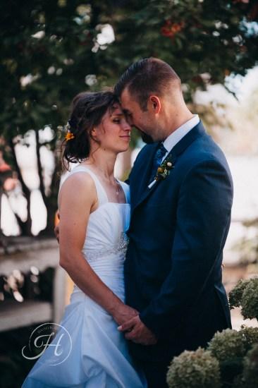 wedding photography Meridian Idaho Cox Farm wedding bride and groom couple