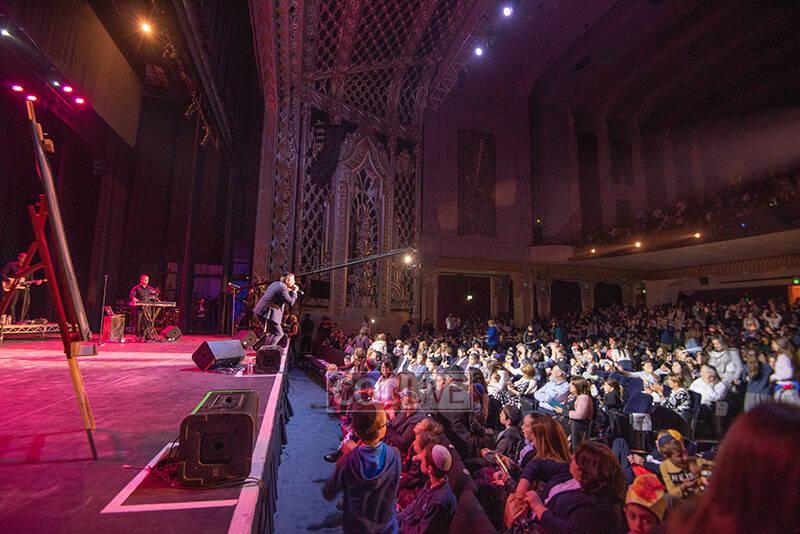 Etats-Unis : 2000 enfants et parents au grand concert «Lag Baomer Unity» à Beverly Hills