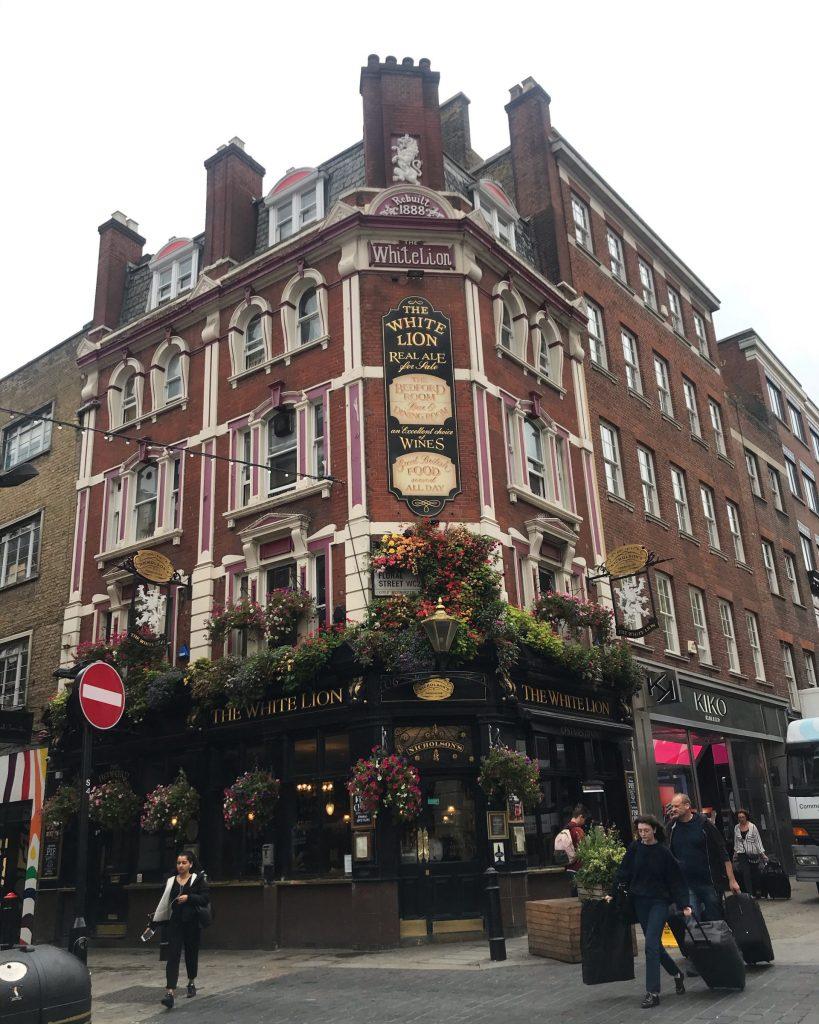 Barrio de las flores en el distrito Covent Garden en Londres