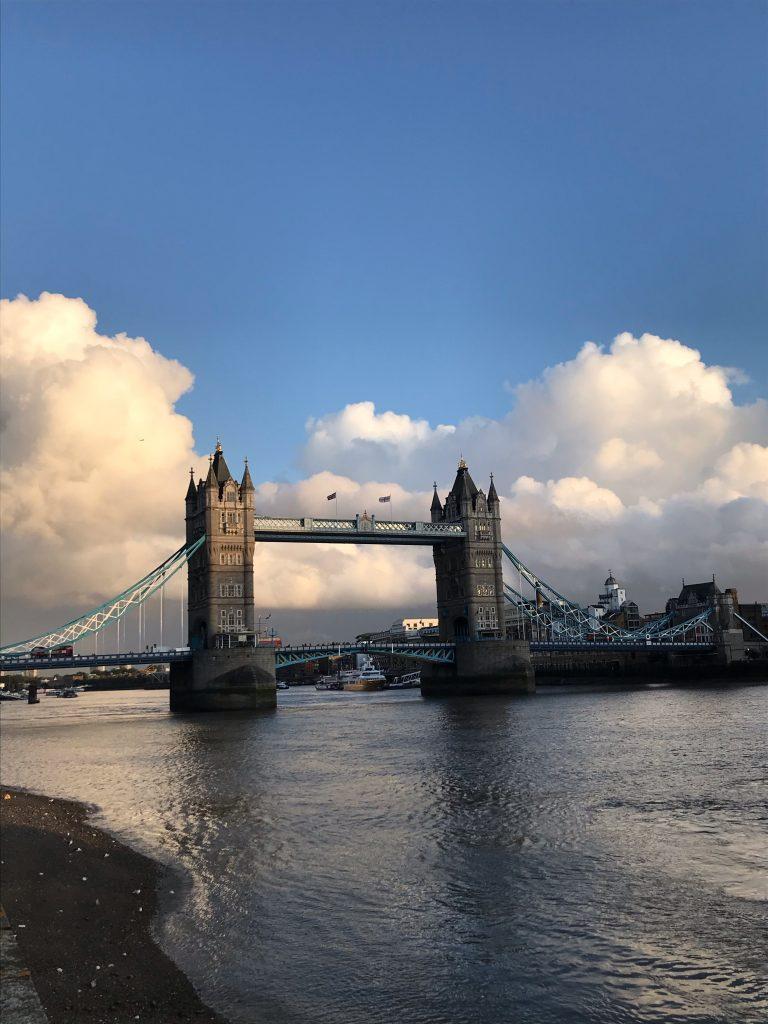 El puente de la torre en Londres Tower Bridge