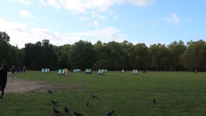 Parque real Green Park en Buckingham Palace en Londres