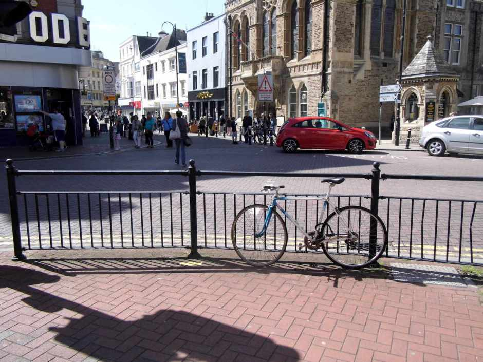The entrance to Hastings pedestrian zone by the Town Hall and Odeon cinema.