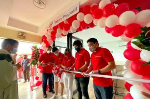 Cutting of ribbon for Imus, Cavite Cherry Prepaid Concept Store