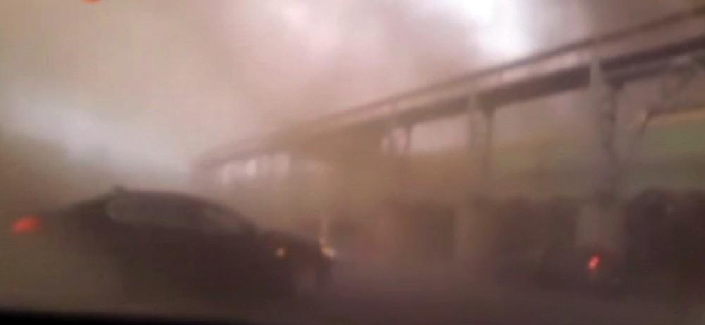 Hatay'daki yangında hortum aracı uçurdu, içindeki iş kadını yaralandı