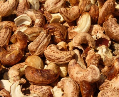Roasted-with-skin-cashew-nut