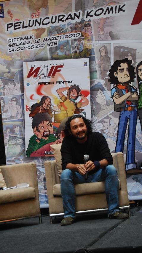 Komik NAIF, Penjelajah Waktu Versi Anak Band (1/2)
