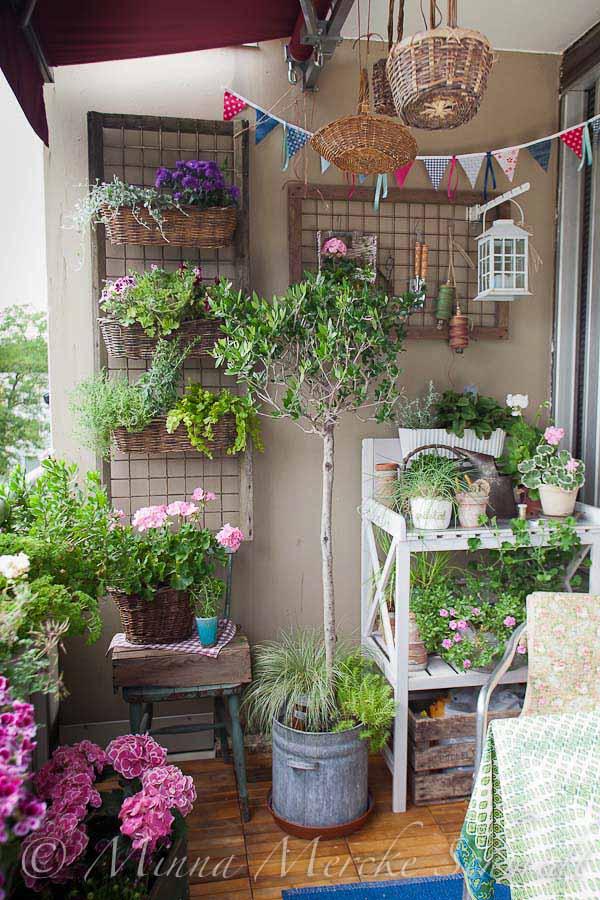 Balcony Garden Design Ideas - Hative on Backyard Balcony Ideas id=89204