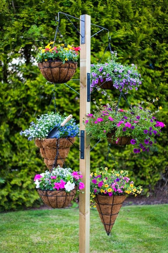 25+ DIY Plant Stands With Thrift Store Finds - Hative on Hanging Stand For Plants  id=85835