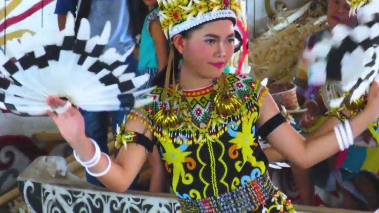 Tari Adat Kalimantan Timur #8 yang Menakjubkan