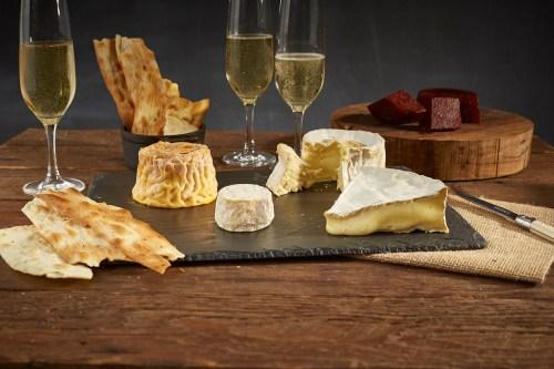 チーズとシャンパン