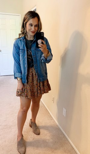 how to style a graphic tee 2020 how to style oversized graphic tees vintage graphic tees business casual graphic tee graphic tee street style how to tie a graphic tee blazer with graphic tee graphic tee trend, fall outfits, fall fashion, outfit ideas for fall, target style, target finds