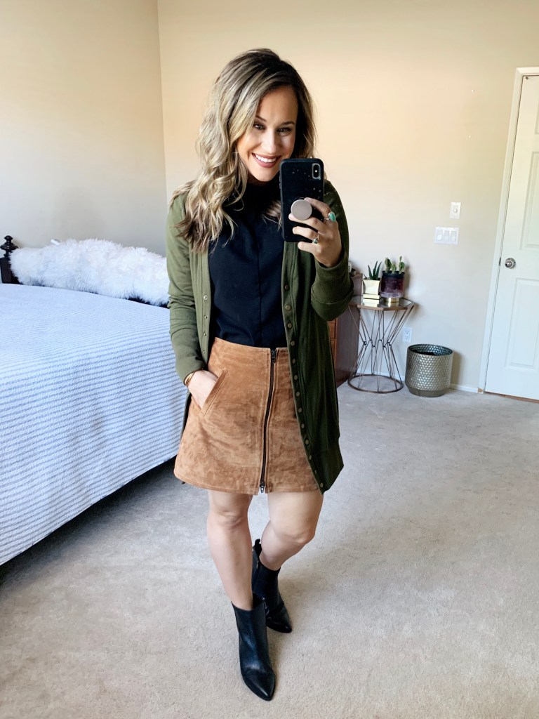 fall family photo outfits 2019 fall outdoor photo clothing ideas fall photo outfits fall family photos what to wear for family pictures outside summer family photo outfits fall family picture outfits 2020 fall family photo ideas