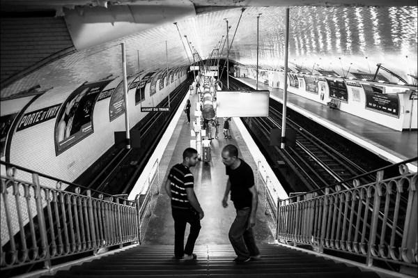 une entrevue sur l'escalier Porte d'Issy, 13e