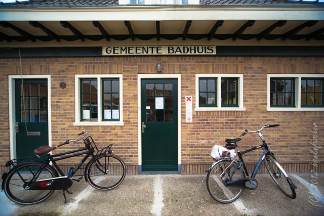à nos jours un musée, l'ancien bain public à Vogelbuurt. Même chaque appartement a eu de l'eau courante, une salle de bain n'était pas budgétisée.
