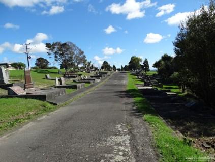 Birkenhead/Glenfield Cemetery pathway
