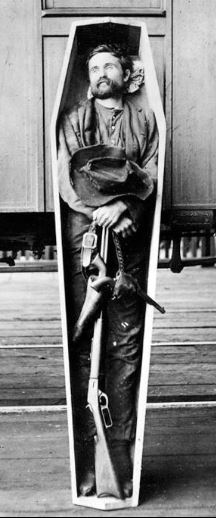 Rube Burrow, notorious train-robber, post-mortem