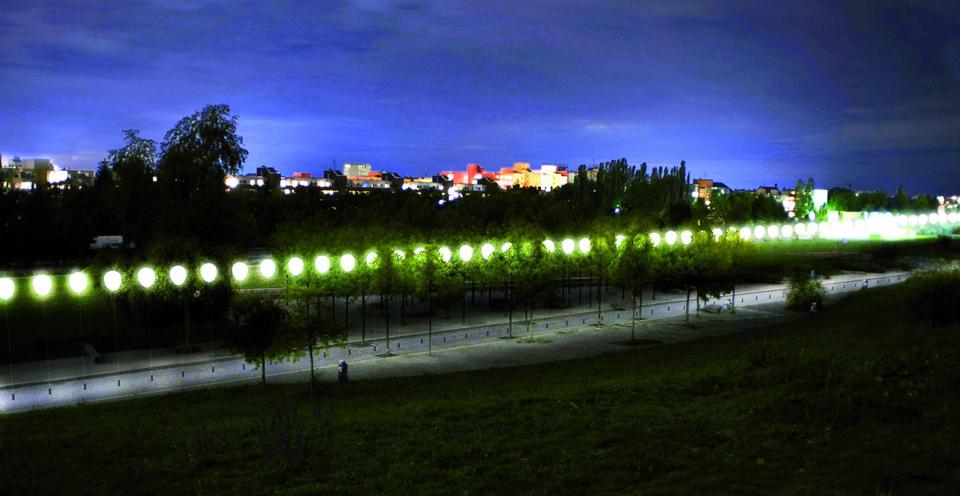 25 Jahre Mauerfall - Lichtgrenze Mauerpark entlang des ehemaligen Berliner Mauer zum 9. November 1989 ©Kulturprojekte Berlin_WHITEvoid / Christopher Bauder