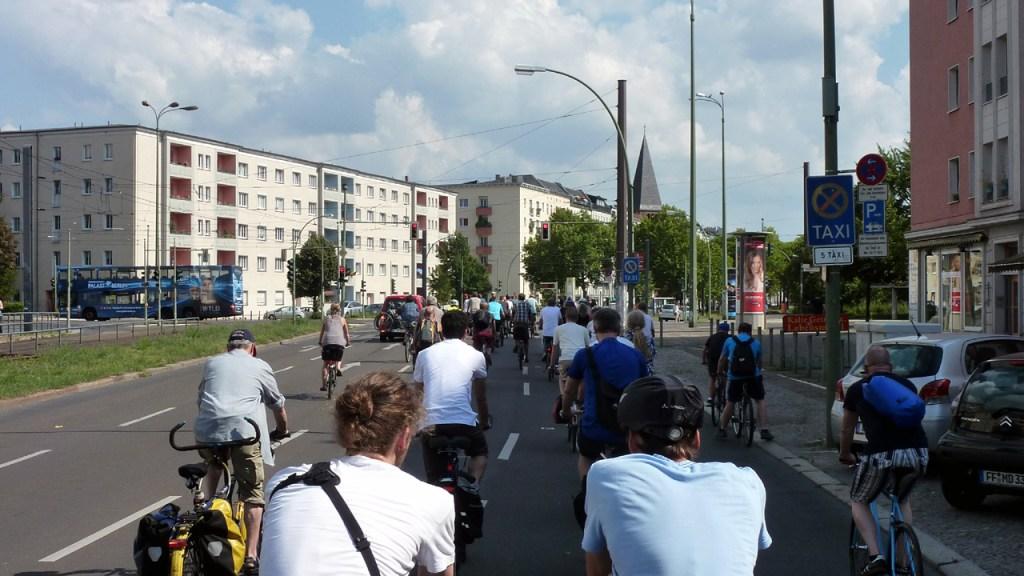 Critical Mass Berlin: Kritische Masse - Bild12 ©Orlando Mittmann – kritische-masse.net