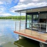 Floß, Hausboot, Ferienhaus oder Appartement auf dem Wasser in Masuren