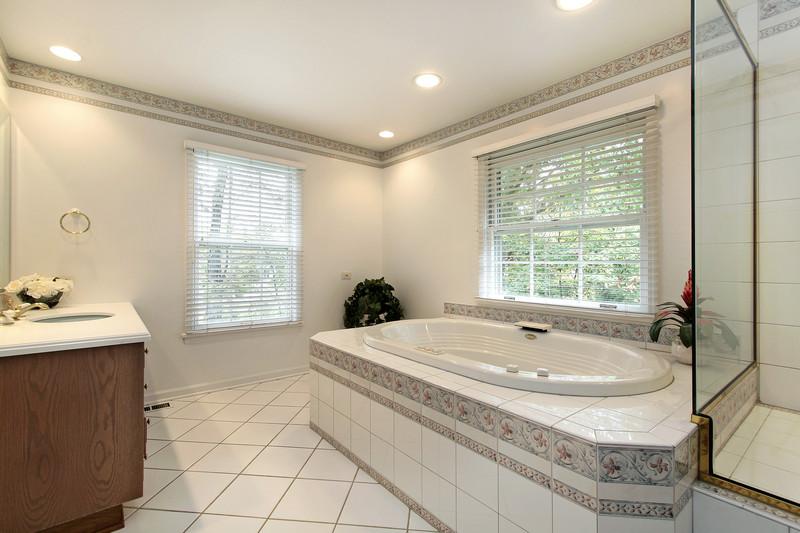 Alte Badewanne Ausbauen: badewannen welches material ist