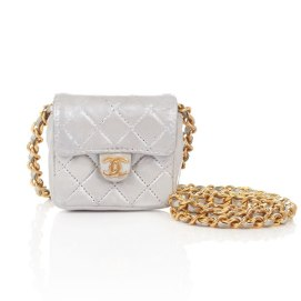 chanel-mini-bag-necklace