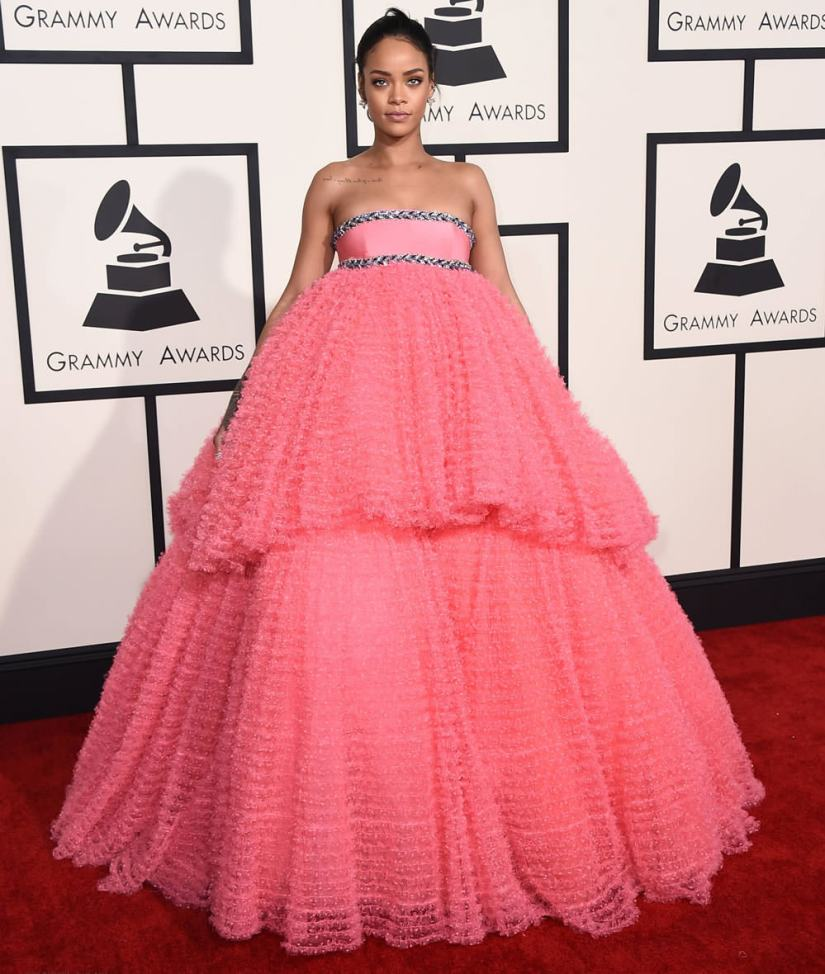 Rihanna wearing Giambattista Valli Spring 2015 pink couture gown at the 57th Grammy Awards