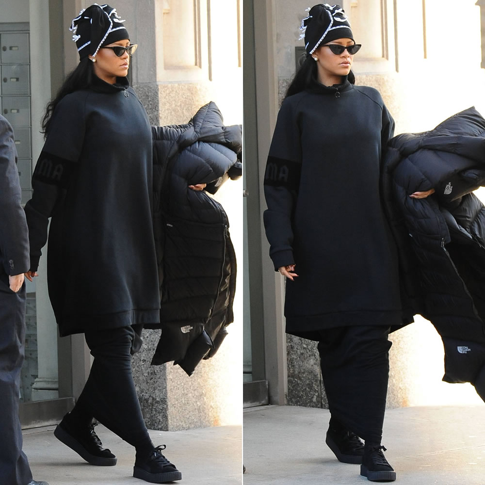 3028ca6a Rihanna is scheduled to perform in Quebec City tonight and earlier today  she was photographed leaving her apartment in NYC. The singer, who is  currently ...
