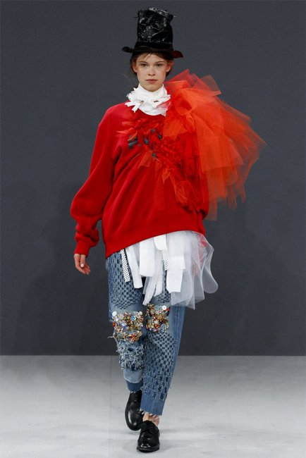 Viktor and Rolf fall 2016 couture red sweater with tulle embellishment