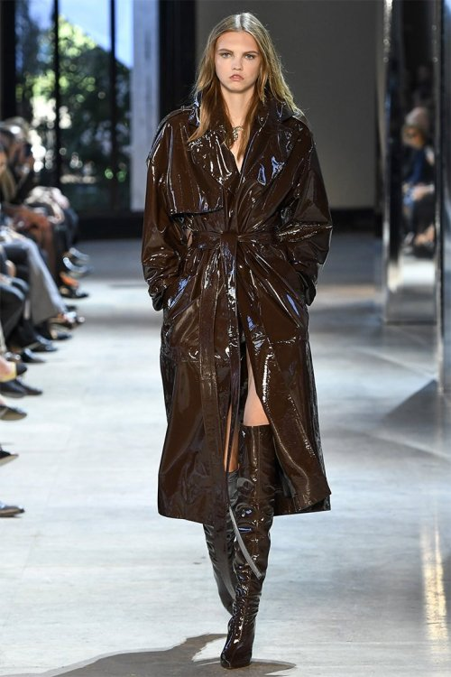 Alexandre Vauthier Fall 2016 couture brown coat, gloves and boots as seen on Rihanna