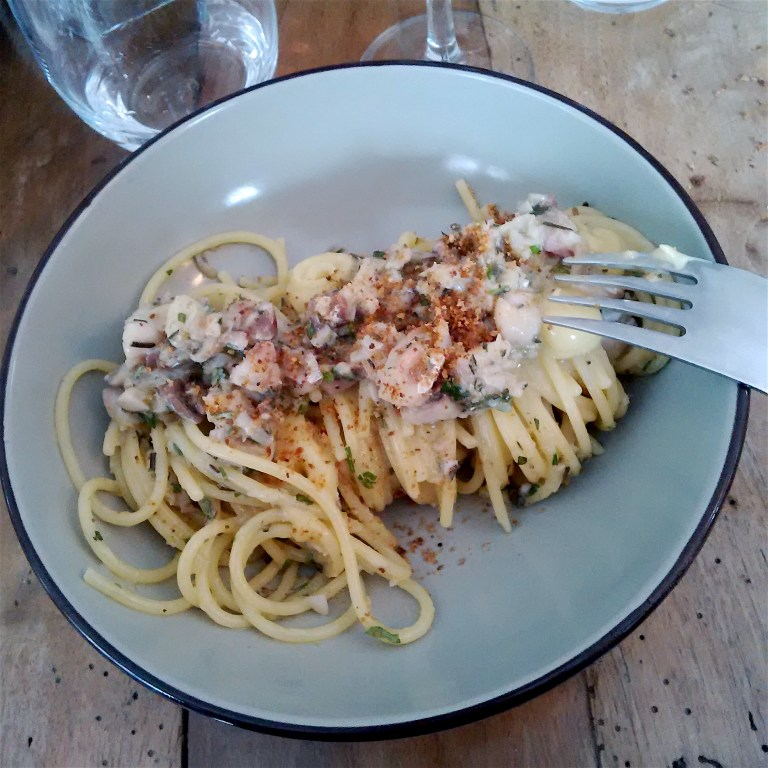Spaghetti with Atlantic horse mackerel, bergamot and aromatic herbs