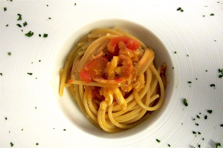 Spaghetti aglio e olio (garlic and oil), cuttlefish and its eggs