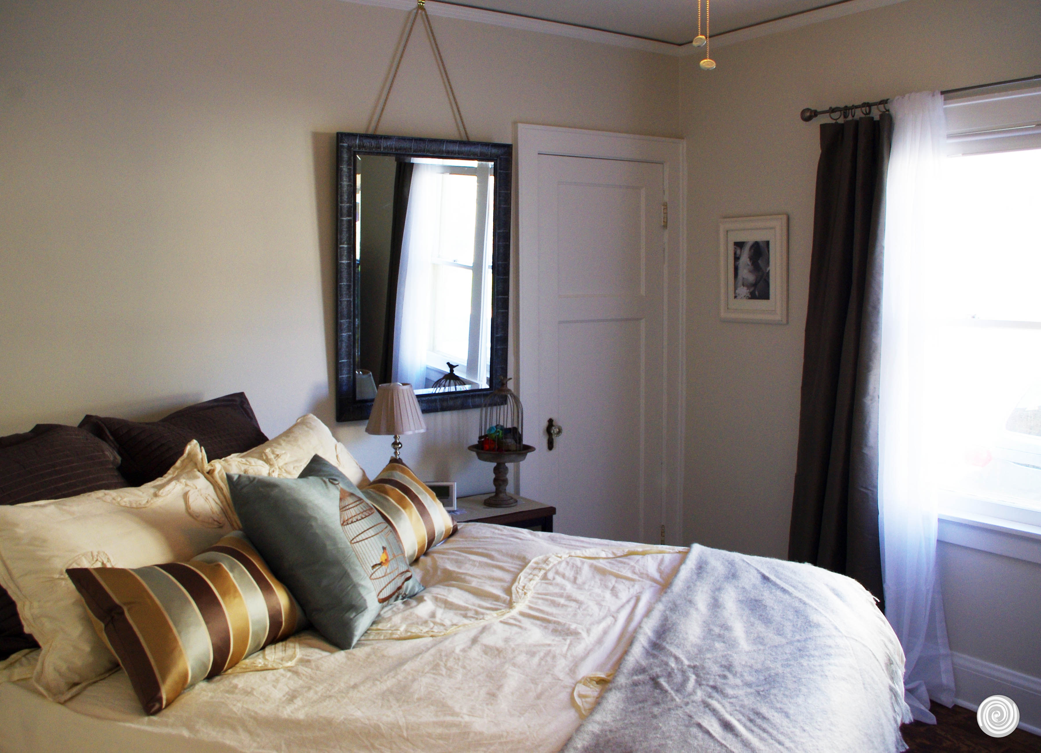 Budget Friendly Bedroom Makeover on Apartment Decor Ideas On A Budget  id=84288