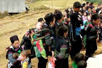 Black Hmong gathering for local event