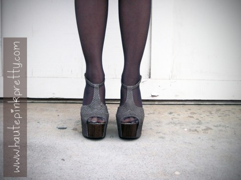 An Dyer in Jessica Simpson Dany Platforms in Grey with Off Black Sheer Tights