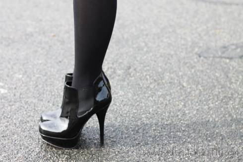 An Dyer in TopShop Opaque Black Tights with Steve Madden Black Patent Leather Raven Boots