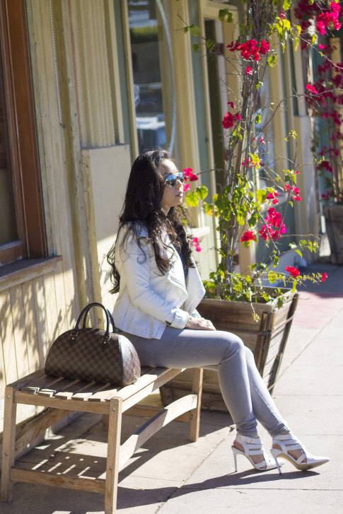 www.HautePinkPretty.com - An Dyer wearing ShoeMint Garbo in White Leather courtesy of ShoeMint, Leslie Bubbles Top courtesy of Amour Vert, Bebe White Leather Jacket, Nordstrom The Rail Mirrored Aviators, Glint & Gleam Modern Texture Cutout Cable Bracelet, Simply Textured Cable Bracelet, & Triple Bar Double Finger Ring Set courtesy of ShopLately, Louis Vuitton Damier Ribera Mm, Marc Jacob Pad Lock Necklace, Foreign Exchange Light Grey Jean Jeggings