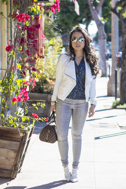 www.HautePinkPretty.com - An Dyer wearing ShoeMint Garbo in White Leather courtesy of ShoeMint, Leslie Bubbles Top courtesy of Amour Vert, Bebe White Leather Jacket, Nordstrom The Rail Mirrored Aviators, Glint & Gleam Modern Texture Cutout Cable Bracelet, Simply Textured Cable Bracelet, & Triple Bar Double Finger Ring Set courtesy of ShopLately, Louis Vuitton Damier Ribera Mm, Marc Jacob Pad Lock Necklace