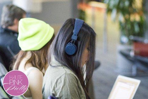 roadtoMAGIC Airport Attire An Dyer wearing UrbanEars Denim Headphones, Michael Stars