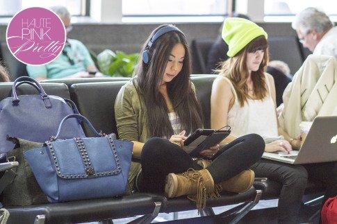 roadtoMAGIC Airport Attire An Dyer wearing UrbanEars Denim Headphones, Michael Stars, Sassybax Leggings, Lamo Sammi Boots, Melie Bianco Villette BLue