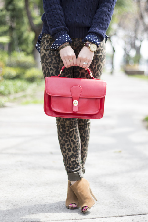 An Dyer wearing Sole Society Britt Messenger Bag in Red & Julianne Hough Angela Booties, Big Star Leopard Skinny Jeans, Navy Polka Dot Blouse,  American Apparel Navy Cable Knit Pul