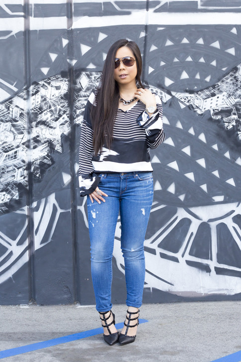 An Dyer wearing ShoeDazzle Sahara, Vaunt Black Snake Print Etched Aviator Sunglasses, Rich & Skinny Clinton Peg Jeans, JewelMint Shadow Link Necklace, Vintage Havana Striped Top