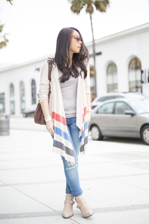 An Dyer wearing ShoeMint Milly, DL1961 Jeans, Left on Houston Tribe Cardigan, bmakowsky Brown Leather Hobo Bag, Celine Paris Audrey Pink & Hermes Hapi 3mm WHite