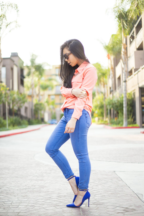 An Dyer wearing JustFab Monroe Pumps and Rock & Republic Kashmiere Skinny Jeans, Apt 9 Solid Crepe Blouse