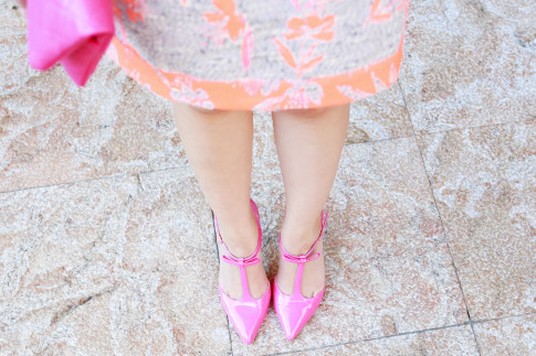 An Dyer wearing Shoedazzle Simone Hot Pink Bow Pumps