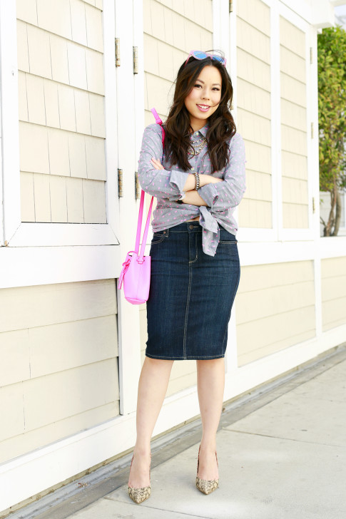 An Dyer wearing Splendid Shoreside Dot Shirt, CJ By Cookie Johnson Denim Skirt, Schaffer LA Pink Mini Bucket Bag with ShoeDazzle Farrah Pumps