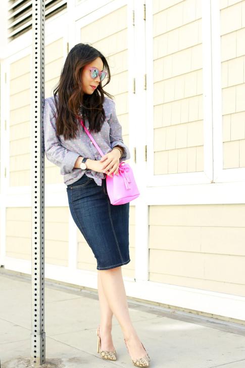 An Dyer wearing Splendid Shoreside Dot Shirt, CJ By Cookie Johnson Denim Skirt, TOMS Travelers Pink Mirror Sunglasses, Schaffer LA Pink Mini Bucket Bag