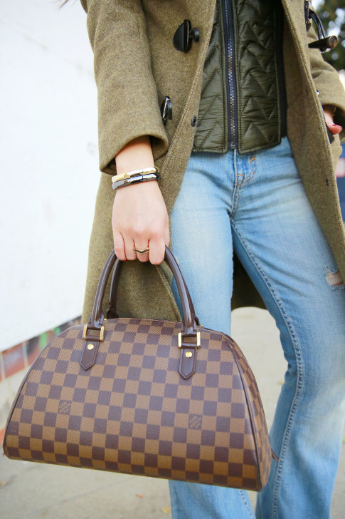 An Dyer wearing mod shot Louis Vuitton Ribera Mm Damier