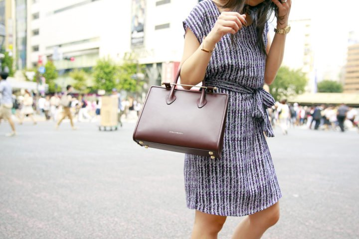 an-dyer-wearing-strathberry-midi-tote-in-burgundy