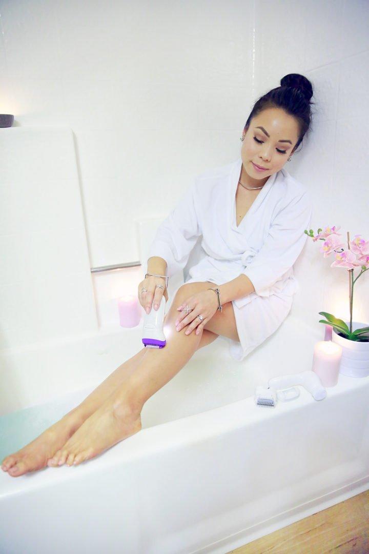 an-dyer-beauty-blogger-using-braun-silk-epil-9-epilator