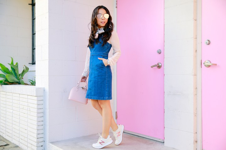 an-dyer-wearing-madewell-denim-hillview-dress-with-louis-vuitton-alma-bb-magnolia-pink-and-new-balance-fresh-foam-zante-rose-gold